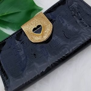 NWT Betsey Johnson Celly Wallet